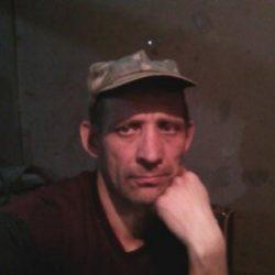 Парень из Москвы познакомииься с девушкой для взаимный ласк.